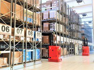 magazzini automatici compattabili IDEXX con carrello AGV