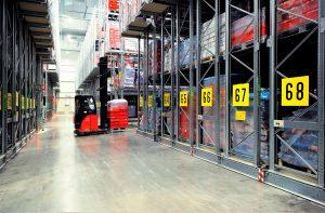 Dexion Italia - magazzino compattabile in cella frigorifera -